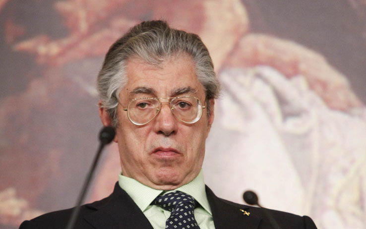 """Umberto Bossi indagato per appropriazione indebita: """"La politica mio unico interesse"""""""