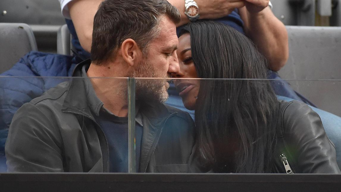 Bobo Vieri e Jazzma Kendrick coppia dell'estate: Video in intimità