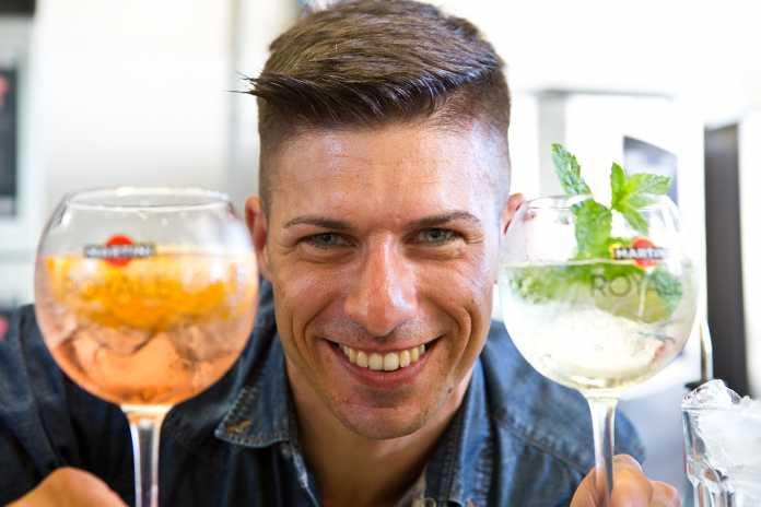 Chi è Bruno Vanzan: Barman Acrobatico Cocktail House