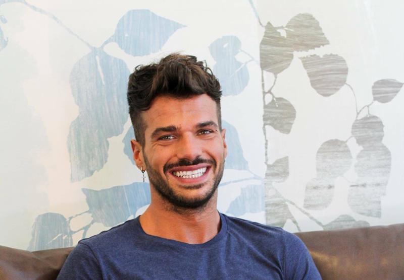 Chi è Claudio Sona: Tronista Gay Uomini e Donne (Foto)