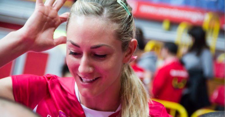 Beach Volley, Becky Perry non può partecipare alle Olimpiadi: il Motivo