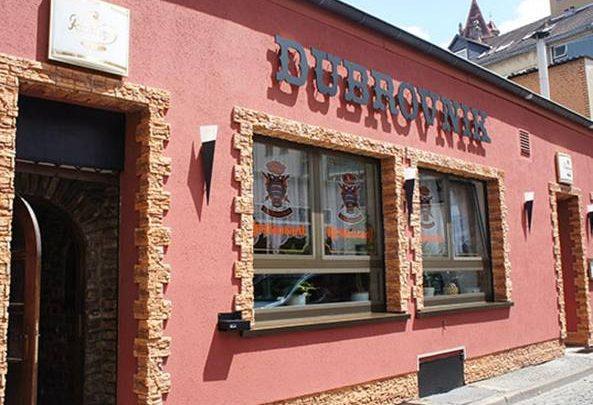 Germania, Uomo Armato in un Bar a Saarbrücken