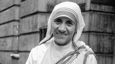Photo of Madre Teresa di Calcutta Santa: il video della proclamazione