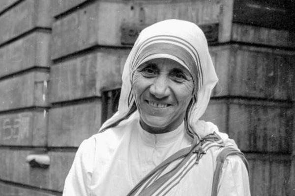 Madre Teresa di Calcutta Santa, quando lo diventerà?