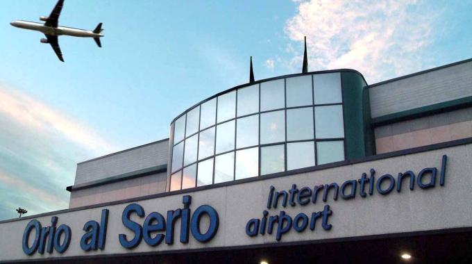Pakistano Minaccia Aeroporto Orio al Serio di Bergamo: Espulso