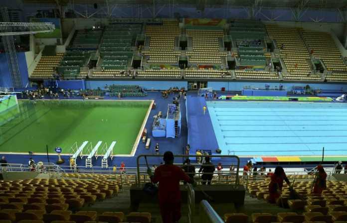 Perché a Rio 2016 l'acqua è verde? Trovata la causa alle Olimpiadi