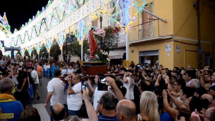 Siano San Rocco 2016, spari durante la Processione: fermato giovane