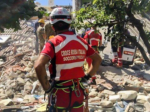 Terremoto ad Amatrice, Croce Rossa in azione (Foto)