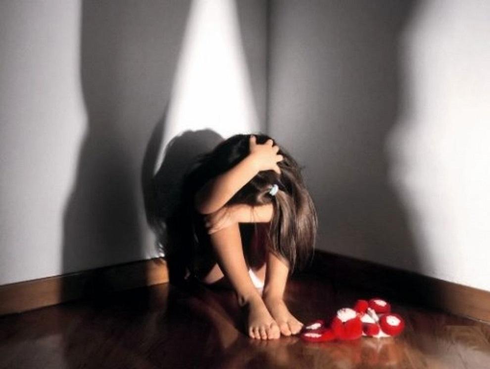 Colombia, donna tortura figlia di 7 anni: arrestata