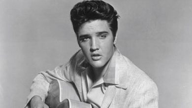 Photo of Elvis Presley, 40 anni fa la morte del re del rock'n roll