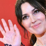 Monica Bellucci sul Red Carpet della Mostra del Cinema di Venezia (Video)
