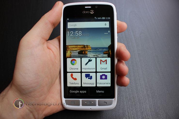Smartphone Doro, il dispositivo adatto per gli anziani: Caratteristiche