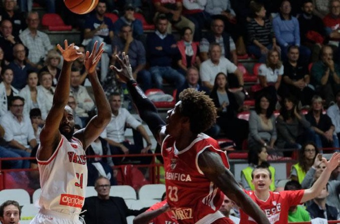 Pallacanestro Varese-SL Benfica 70-72: Lombardi in Champions League