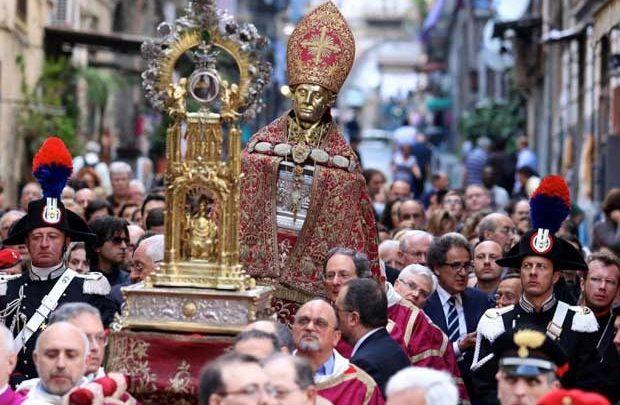 Rubate Offerte di San Gennaro a Napoli