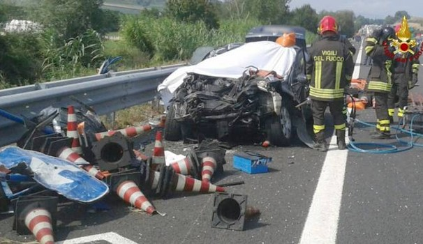 Incidente sulla A14, a Civitanova Marche: due morti