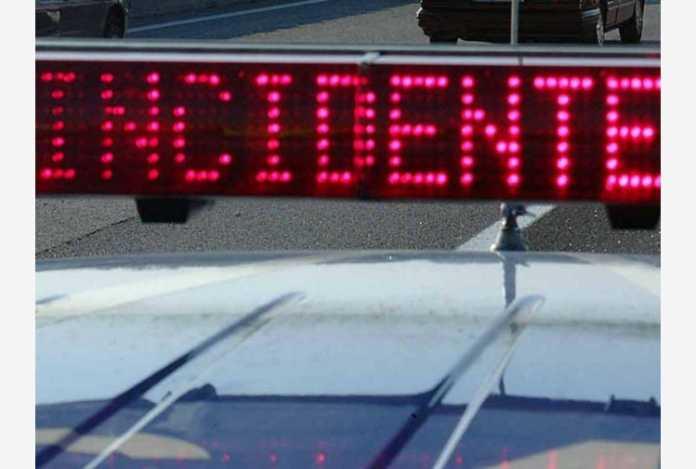 Auto contro camion sulla via Francesca Nord a Vicopisano: muore 21enne