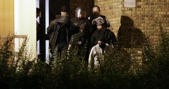 Terrorismo, arrestate tre donne a Parigi: preparavano un attentato