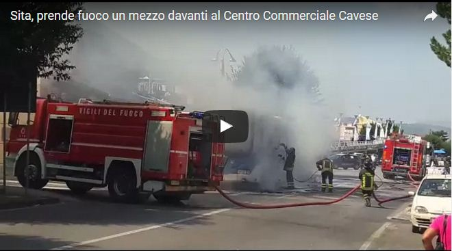 Incendio autobus Sita a Cava: il video