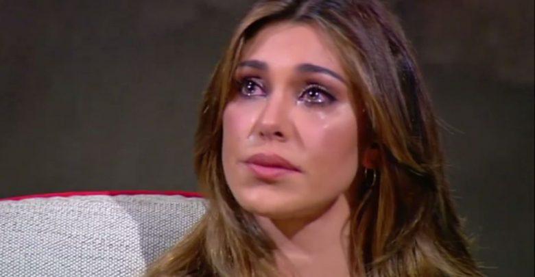 Belen piange da Maurizio Costanzo: la showgirl in lacrime parlando di Santiago (Video)