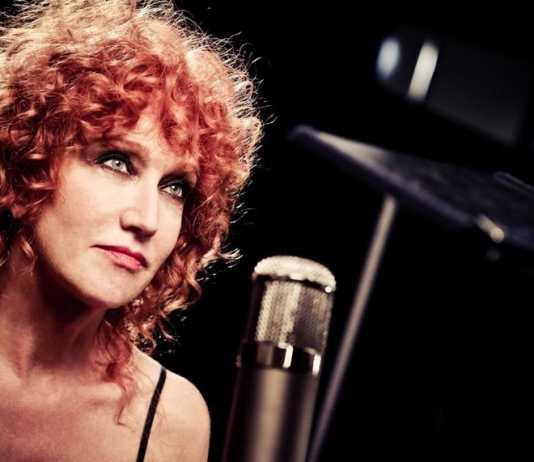 """Fiorella Mannoia canta """"Sally"""" e """"Combattente"""" a Domenica In (Video)"""