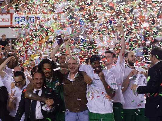 Mens Sana Siena Revocati Scudetti 2011-12 e 2012-13, Coppa Italia 2012 e 2013, Supercoppa 2013