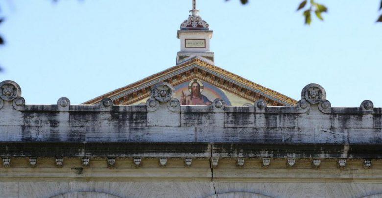 Terremoto Roma, crepe alla Basilica di San Paolo e metro chiuse