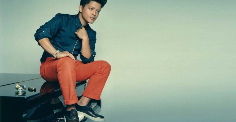 """""""24k magic"""", singolo Bruno Mars: primo estratto del nuovo Album"""