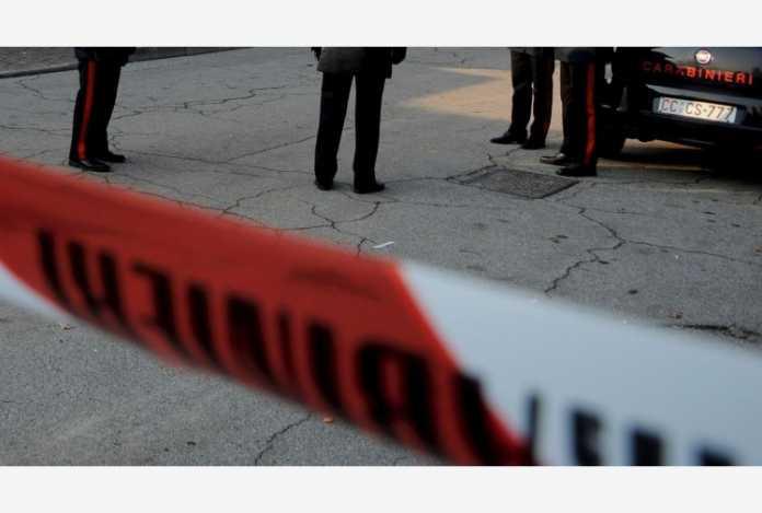 Imprenditore napoletano ucciso a colpi di pistola: rapina o esecuzione?