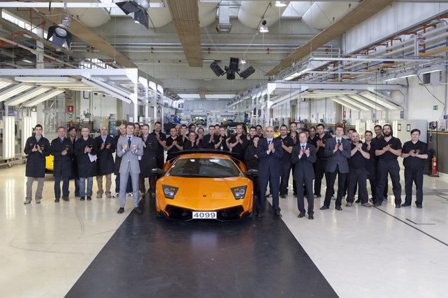 Offerte Lavoro Lamborghini: posizioni aperte per neolaureati