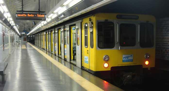Napoli, orari metro linea 1