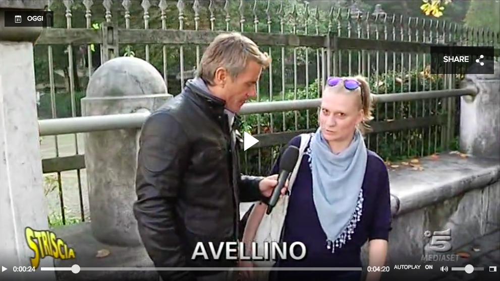 Striscia la Notizia ad Avellino dopo il caso Abete | Video