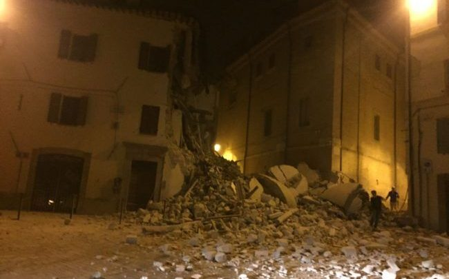 Terremoto a Camerino, crolli in città   Foto