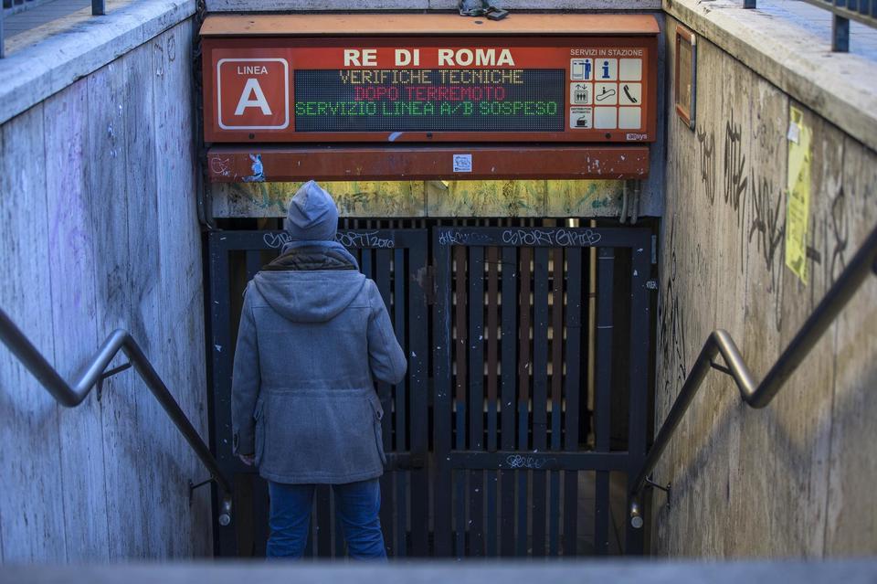 terremoto-roma-metro-chiusa