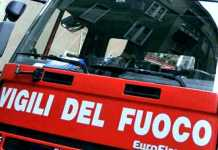 Incendio a Rimini, palazzina evacuata: sette feriti