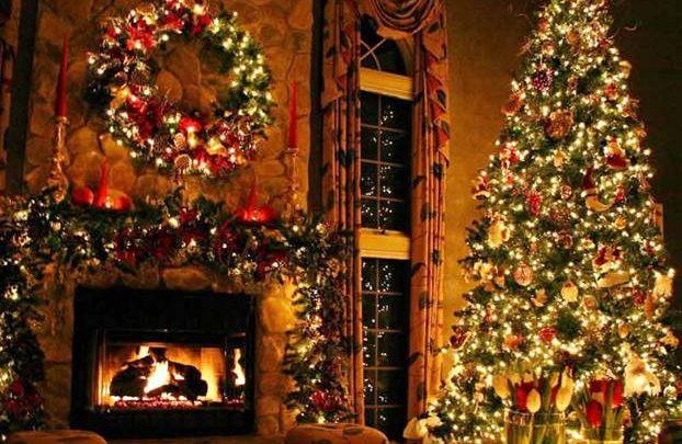 Alberi Di Natale Eleganti Immagini.Alberi Di Natale E Decorazioni Le Piu Chic Ed Eleganti Per Decorare L Albero