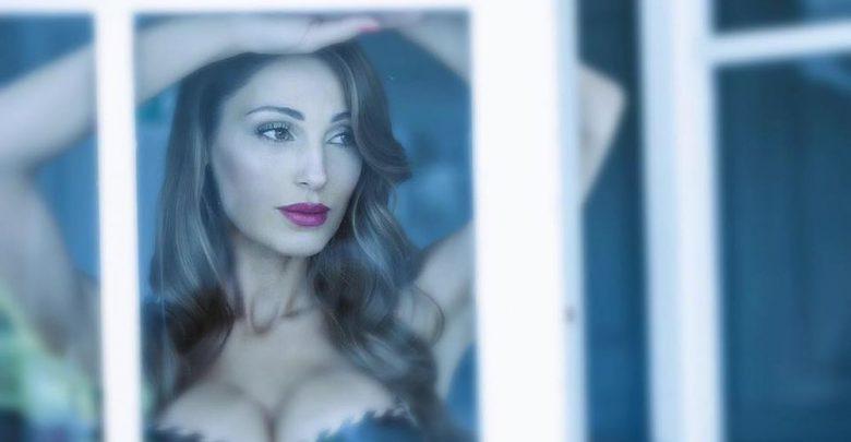"""Anna Tatangelo, nuovo singolo """"Natale italiano"""" in radio da venerdì 11 novembre"""