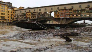 Arno in piena a Firenze: la Toscana colpita dal maltempo (Video)