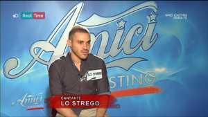 Lo Strego, Chi è il Cantautore ad Amici Casting (video)