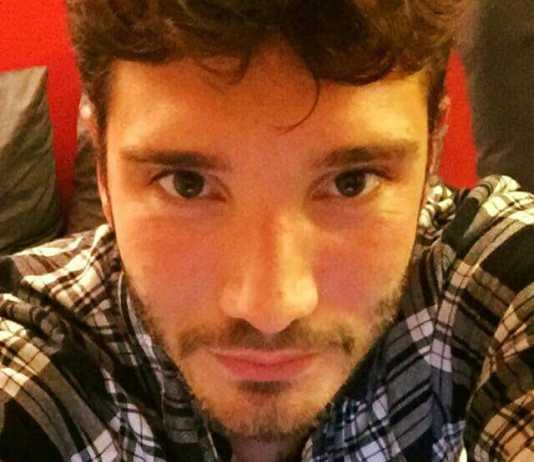 """Stefano De Martino, Video in diretta su Facebook: """"Amo ancora Belen"""""""