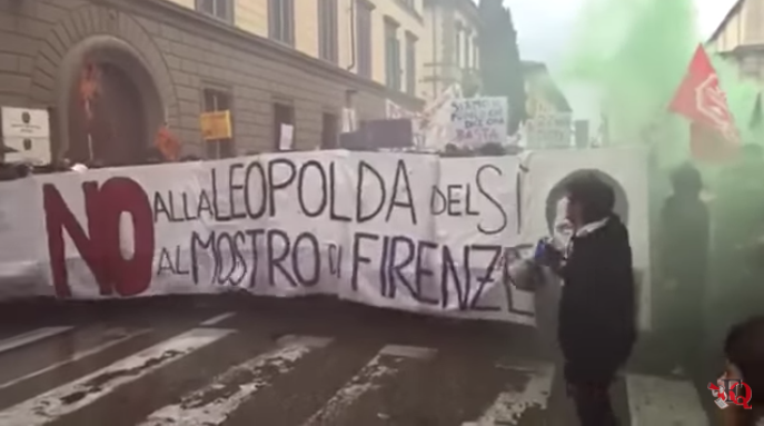 Scontri a Firenze per il No al Referendum | Video