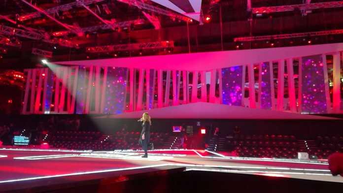 Nemicamatissima: Cristina D'Avena ospite della puntata di questa sera (3 dicembre 2016)