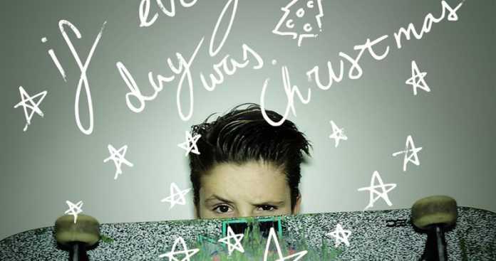 Cruz Beckham, il figlio di David e Victoria, debutta con il singolo