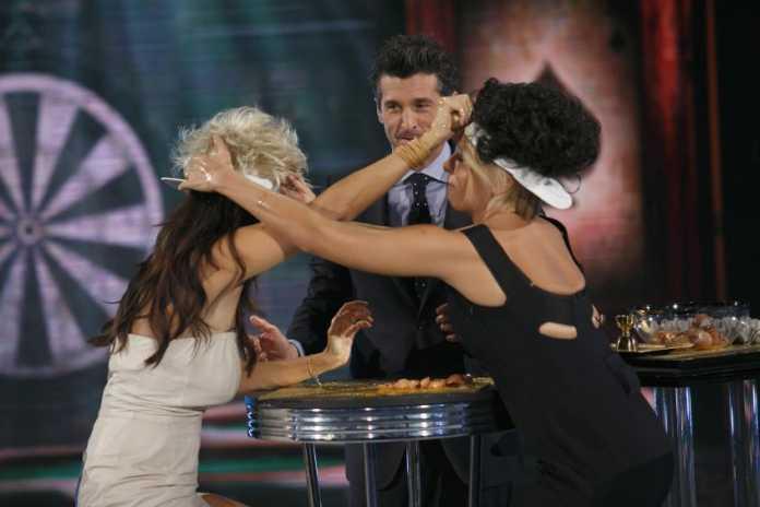 House Party Prima Puntata: Sabrina Ferilli balla con Patrick Dempsey (Video)