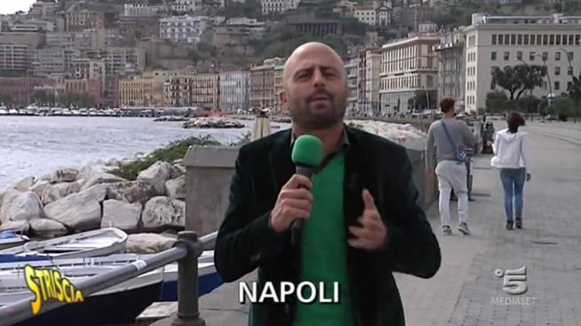 Napoli, in cinque su un motorino: Servizio Luca Abete Striscia la Notizia