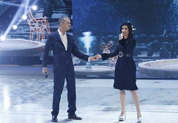 Rupert Everett canta con Laura Pausini a House Party (Video)