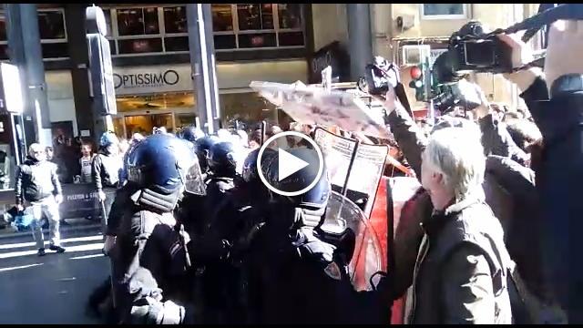 Renzi a Palermo: Scontri tra studenti e Polizia (Video)