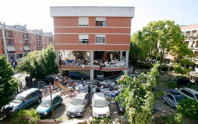 Palazzina Esplosa a Roma: due famiglie intrappolate sotto le macerie