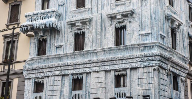 Palazzo Ghiacciato a Milano, zona Moscova: è una pubblicità