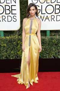 Golden Globe, gli outfit delle star da Emily Ratajkoski a Jessica Biel: Foto e Video 1