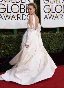 Golden Globe, gli outfit delle star da Emily Ratajkoski a Jessica Biel: Foto e Video 5